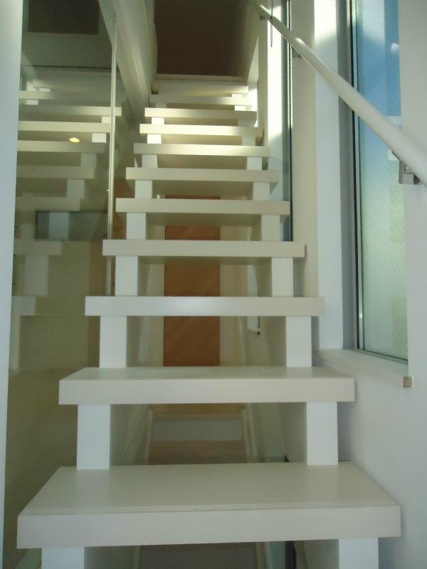 自由が丘18 ③階段2